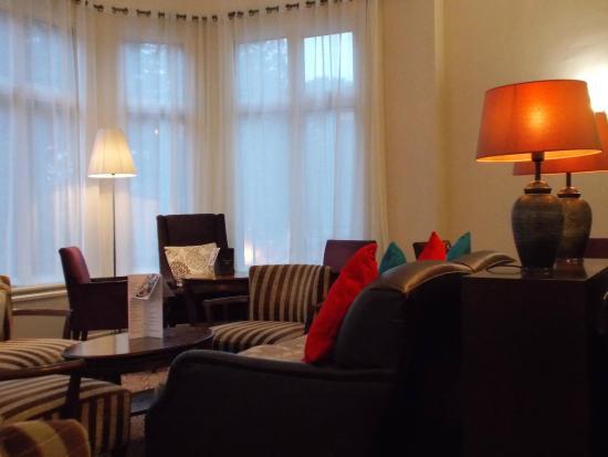 BEST WESTERN Hotel Royale: Bar/Lounge Area