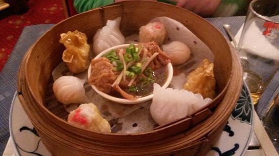 Yangtze River Chinese Restaurant: Selection of dumplings