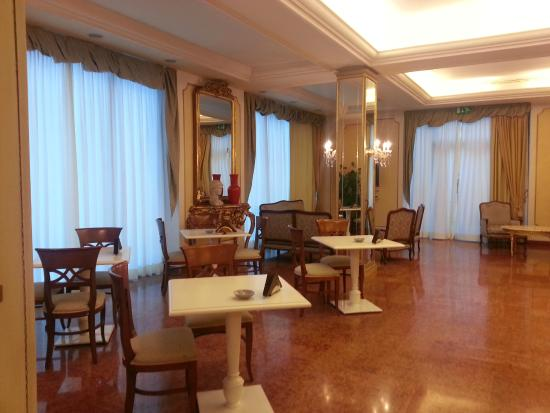 Mercure Parma Stendhal : Hall