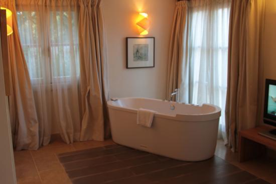 Slaapkamer Met Ligbad : Appartement te koop koelkast slaapkamer ligbad