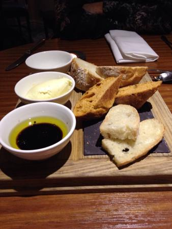Ledsham, UK: Very tasty Bread !! The butter especially was delicious .