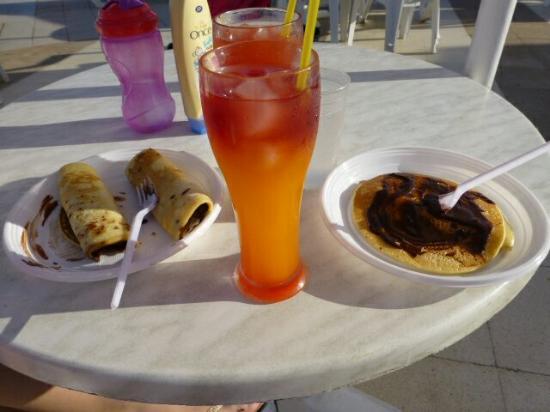 Dar Khayam Hotel: Cocktails and pancakes :-)