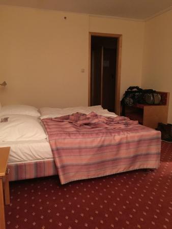 Hotel NEPTUN: Zimmer