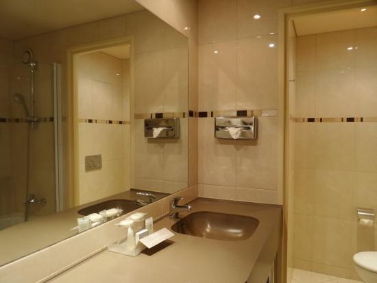 Londres et New York Hotel: Il bagno