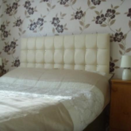 Beachcliffe Luxury Holiday Apartments: Apartment 4 Sleeps 2 - 4 People