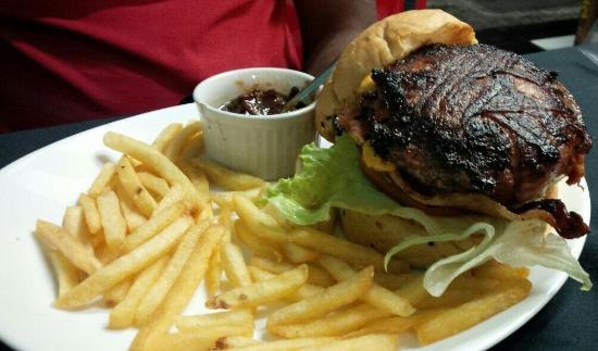 Tommy's Diner & Burger
