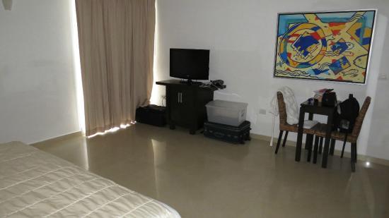 Hotel Bambu Suites: Vista izquierda desde la cama