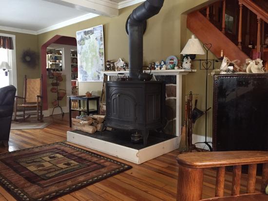 The Alpine Homestead: Lovely living room!