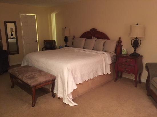 Bruce, MS: Plantation King suite!