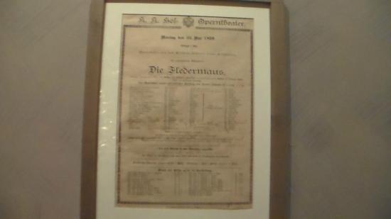 "Johann Strauss Museum : locandina del ""pipistrello"""