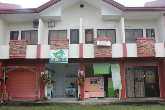 Loreto's Lodge