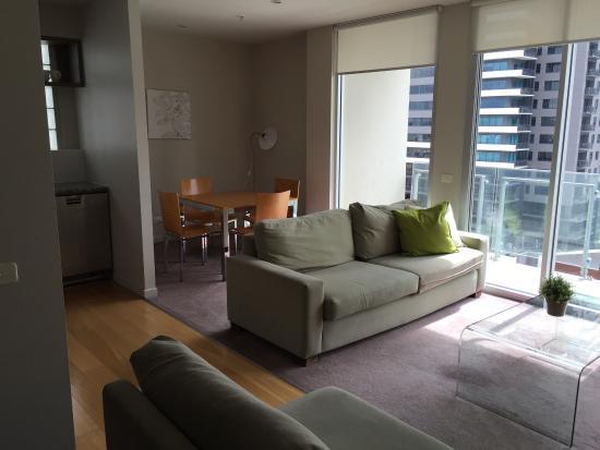 Aria Hotel Apartments: Lounge