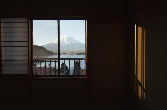 Komaya: 窗景