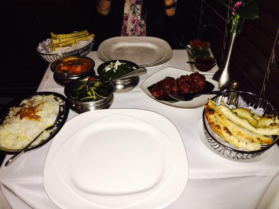 Indus Valley : The lasooni ghobi ���� and all those Indian dishes are just delicious ����