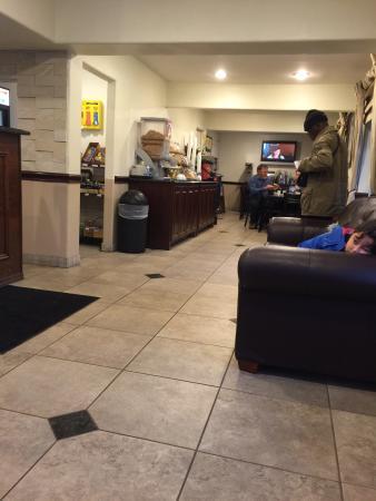 Days Inn Market Center Dallas: Breakfast / reception area