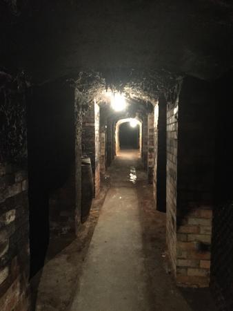 Great Western, Australië: The underground cellars