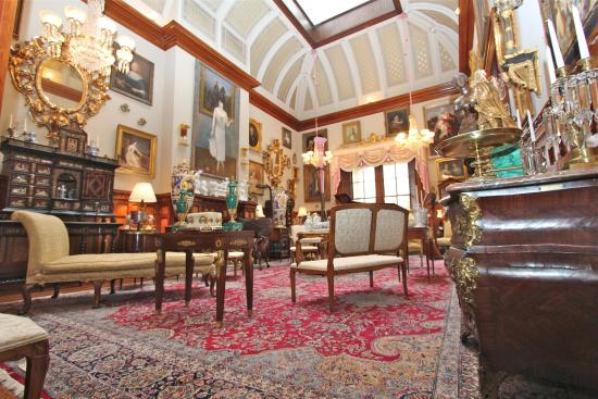 The Calhoun Mansion: The Musici Room