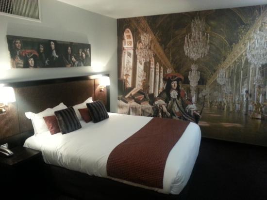 Hotel Le Versailles: la chambre
