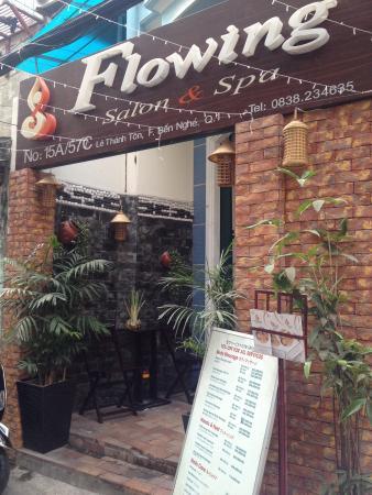 Flowing spa