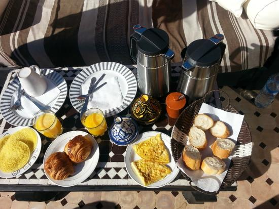 Riad Dar Najat: Cold get used to this breakfast every day...