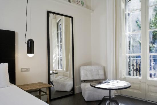 praktik garden barcelona espa a opiniones comparaci n de precios y fotos del hotel. Black Bedroom Furniture Sets. Home Design Ideas