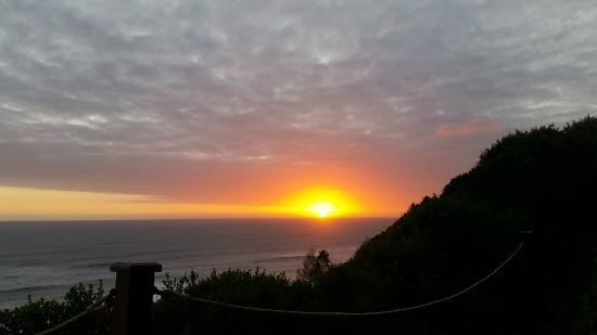 Brenton On The Rocks Guesthouse : Sunset from deck chairs