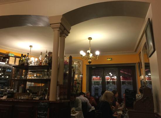 Tolles Ambiente Picture Of Cafe De La Table Ronde Grenoble Tripadvisor