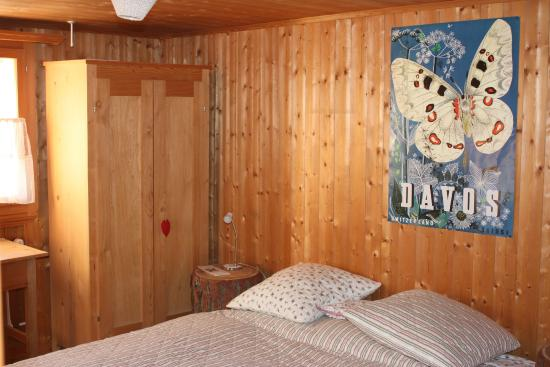 Fanas, Suiza: Showing the inside of my room