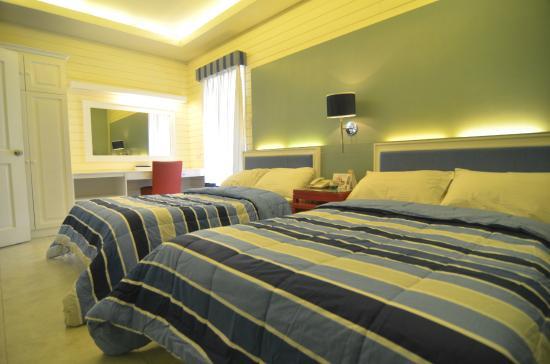 Moonbay Marina Leisure Resort: La Luna with twin beds