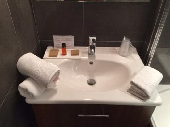 Hotel Villa les Bains: Salle de bain
