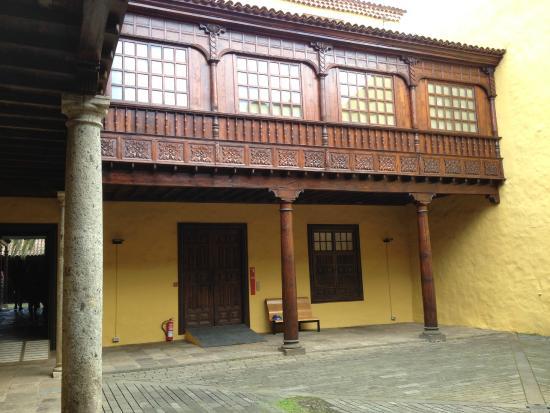 Museo de Historia y Antropología de Tenerife (Casa Lercaro): Balconata in legno