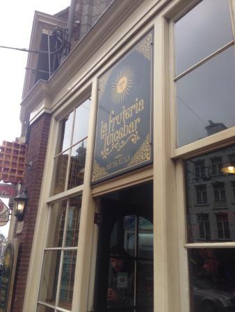 La Fruteria juice bar: Deliciosos waffles