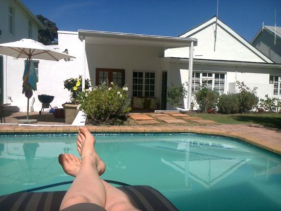 De Villiers Country Lodge: chill at the pool