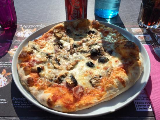 la pizza reine du menu a 15 euros photo de exky bastia tripadvisor. Black Bedroom Furniture Sets. Home Design Ideas