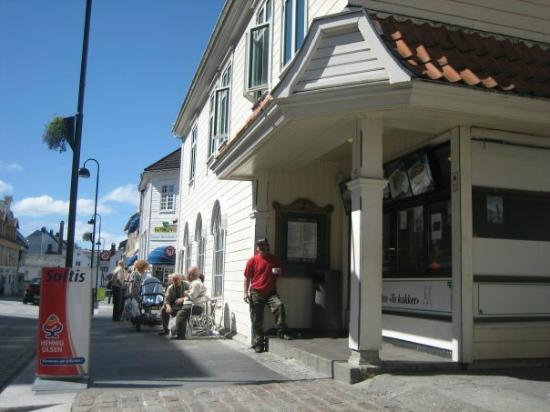 Flora Municipality, Norveç: Bistro To Kokker