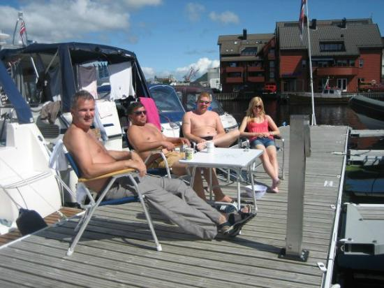 Flora Municipality, Norveç: Guest harbour relaxing family on holiday