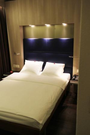 Hotel Alexander: Bed