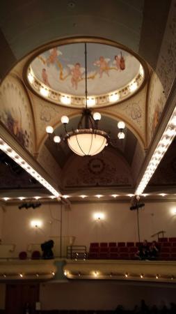 City Opera House : Looking up, balcony seating.