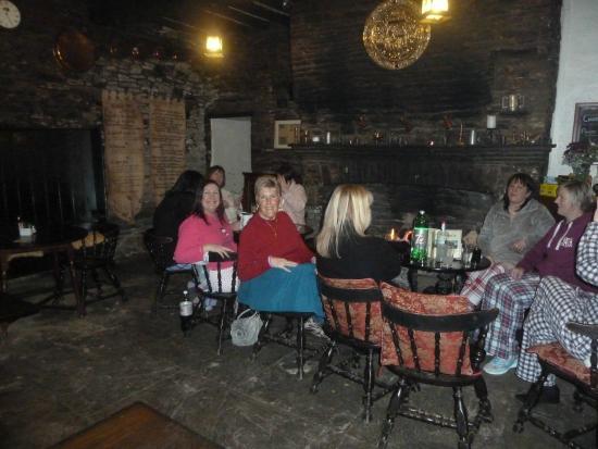 Skirrid Mountain Inn: bar