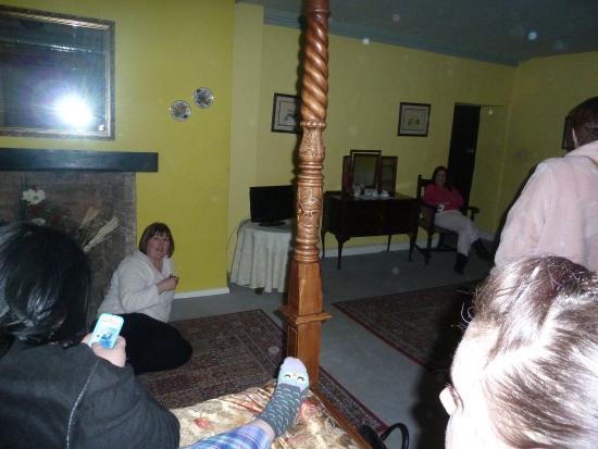 Skirrid Mountain Inn: Room 2