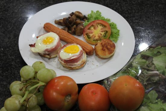 Aber Jetz Guesthouse: breakfast