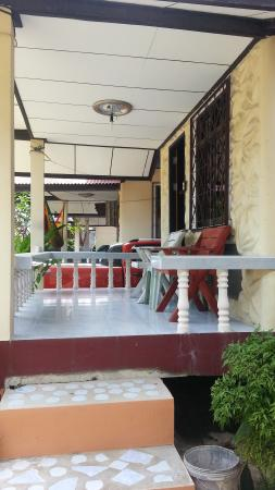 Charung Bungalows: little patio