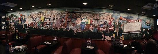 Hampton Inn State College: Damon's Mural next door to Hampton