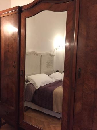 Villino Il Magnifico: Camera con mobili d'epoca