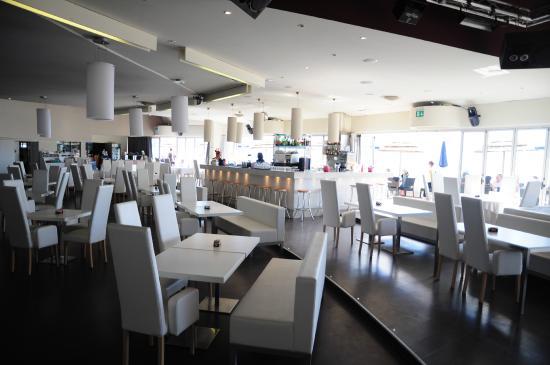 Sala interna del ristorante Terrazza a Mare di Lignano Sabbiadoro ...