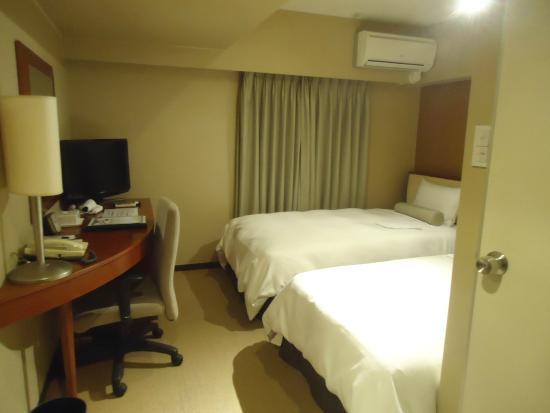 Shizuoka Grand Hotel Nakajimaya: 入口から見た部屋