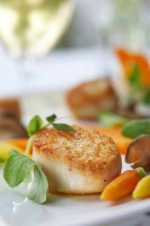 The View Restaurant at the Mirror Lake Inn : Scallop Entree