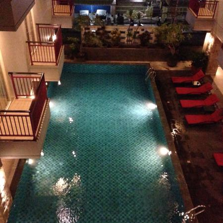 Lombok Plaza Hotel & Convention : swimming pool