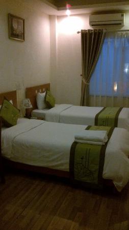 Green Diamond Hotel: The room