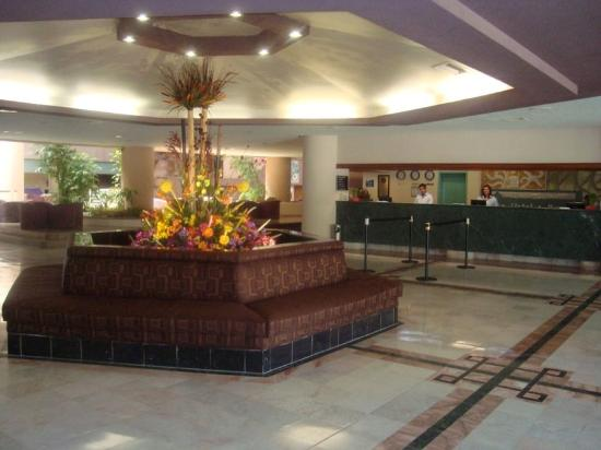 San Carlos Plaza Hotel Resort & Convention Center : Lobby